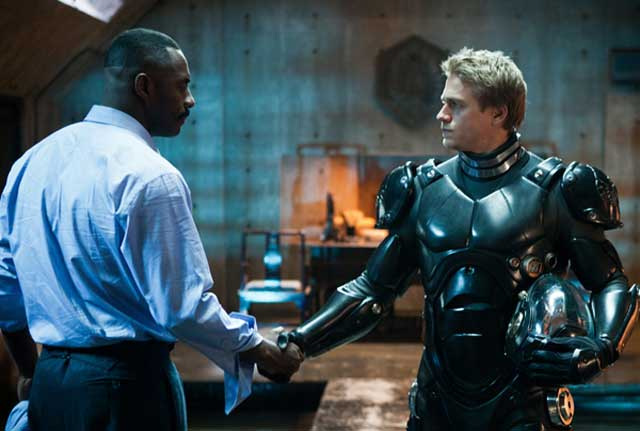Idris Elba and Charlie Hunnam in Pacific Rim