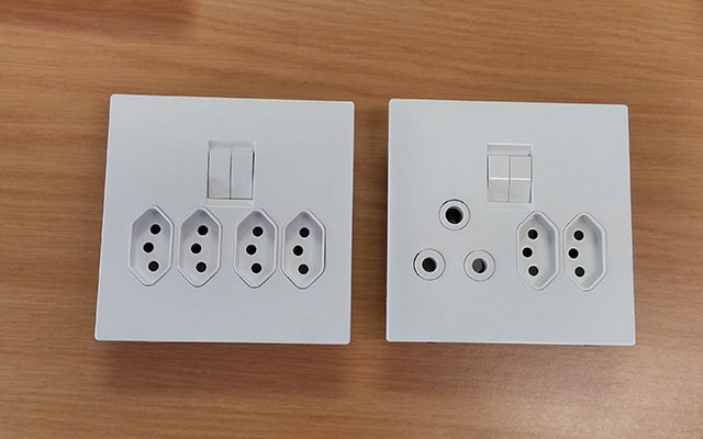 SANS 164-2 sockets, with the older three-pin socket visible on the right