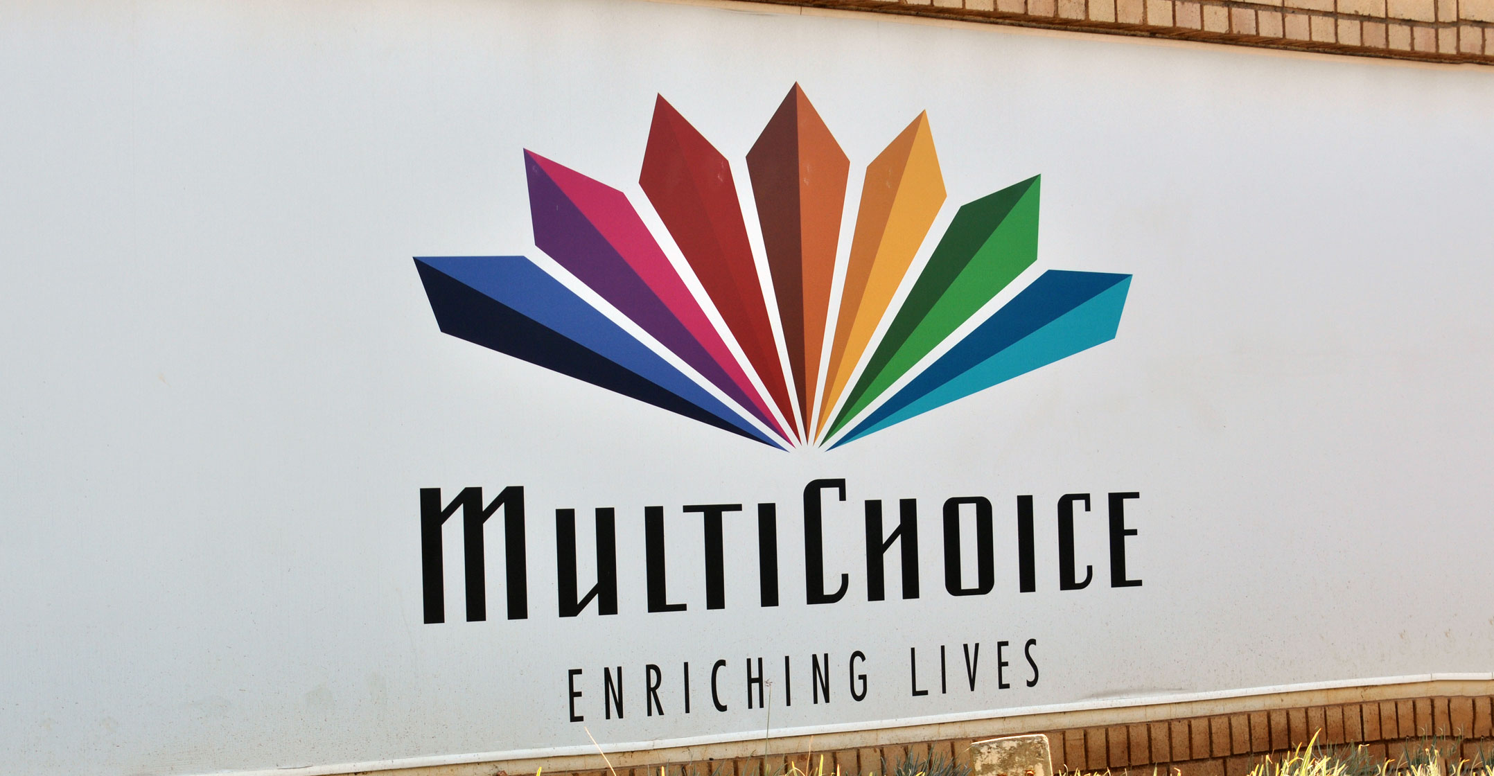SABC, DStv sign new - and 'clean' - channel supply deal