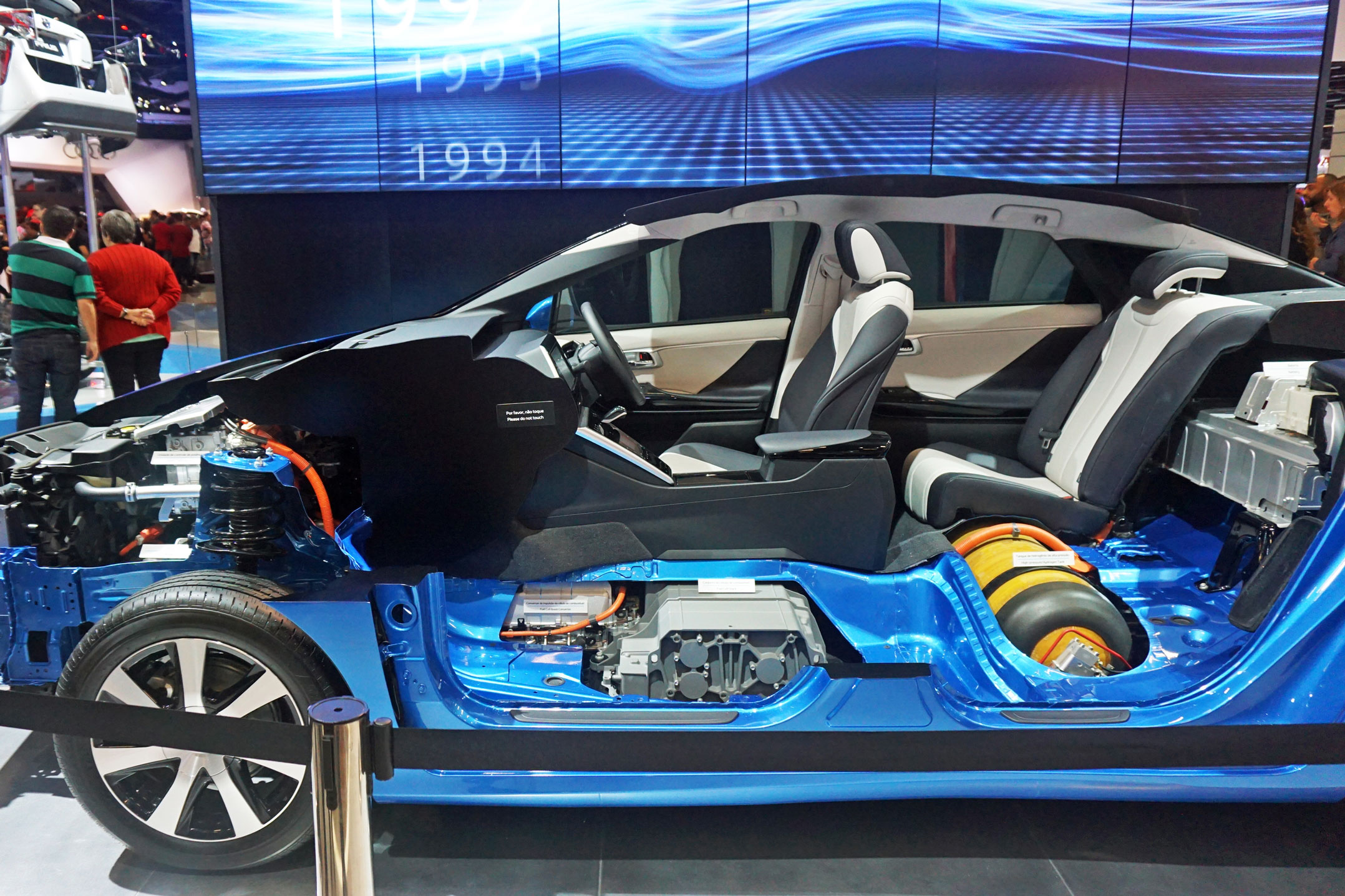 Hydrogen Cars Take A Back Seat To Electric Vehicles Techcentral Future Batteries That Could Power Your Home Mirai Cutaway Showing The Control Unit And Traction Motor In Front Fuel Cell Stack Storage Tank Middle